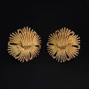 ✨Stunning Signed Vintage Monet Clip On Earrings